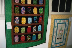 Marilyn Estes taught a class on making this Jar Quilt via paper piecing